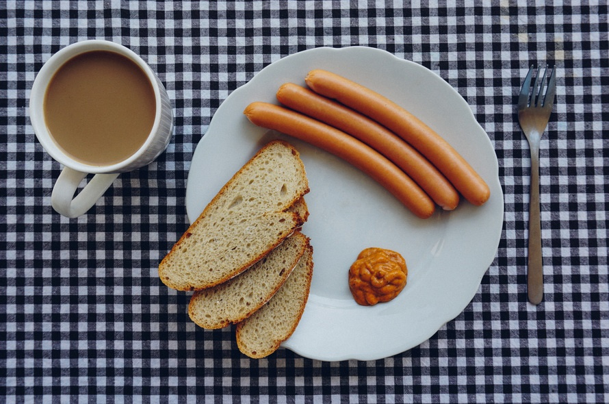 bread-coffee-wurst-breakfest