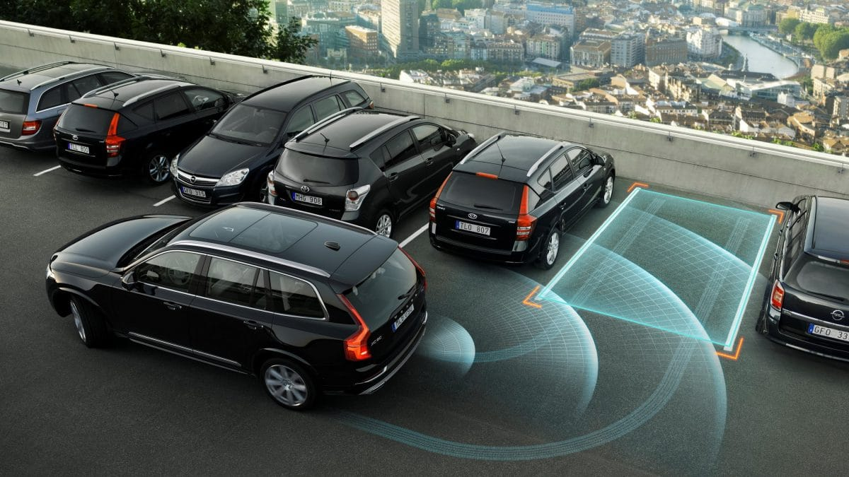 7 Technology Features That Make Cars Safer