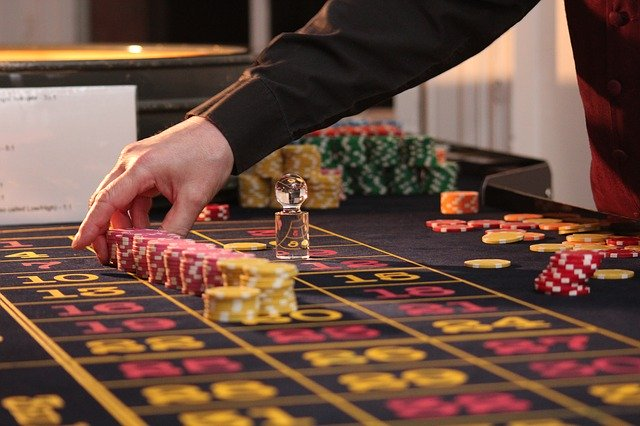 How Live Casinos Have Brought Online Gaming To The Next Level