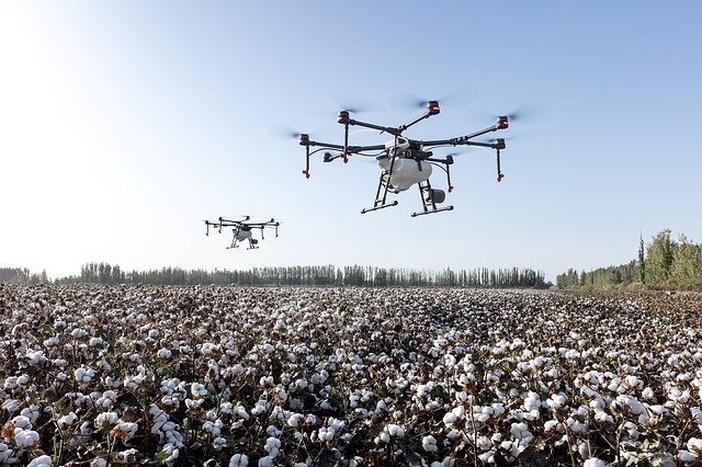 Benefits Of Tethered Versus Battery Powered Drone Systems