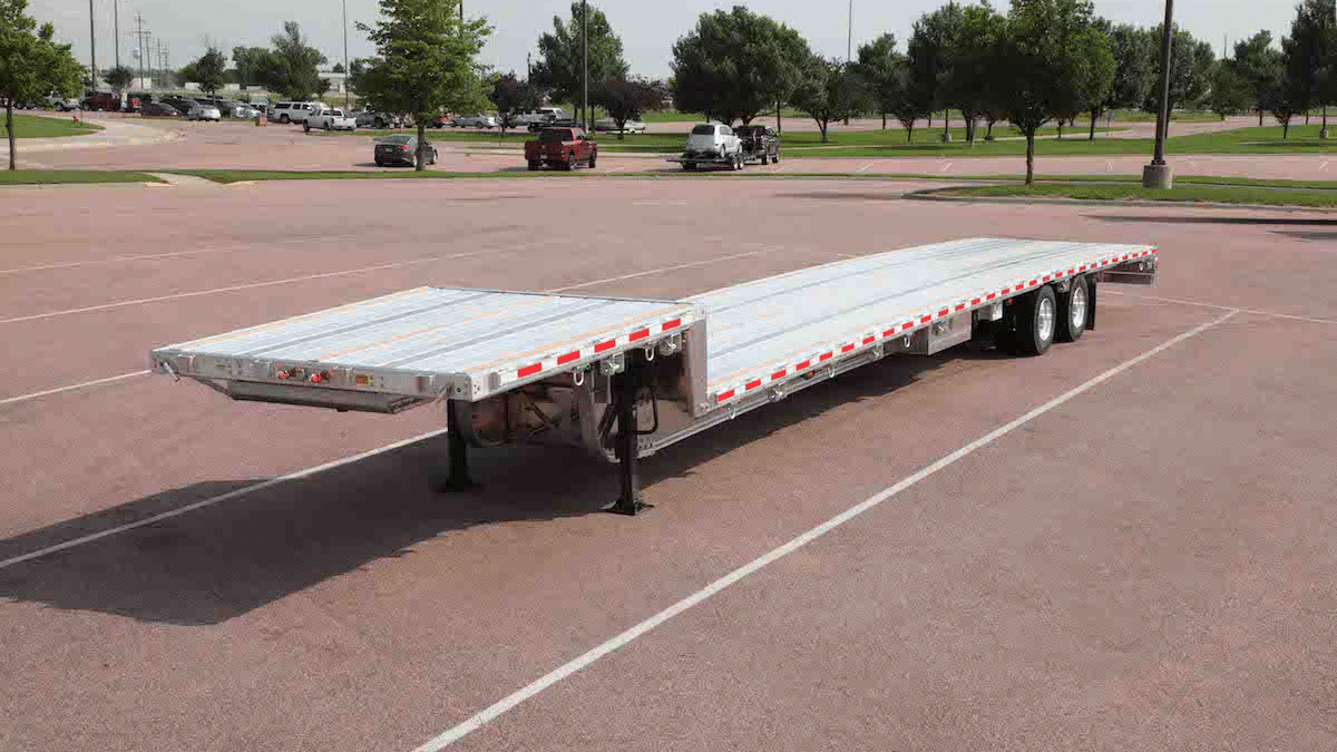 Flatbed Trailer vs. Step Deck: Which is Better?