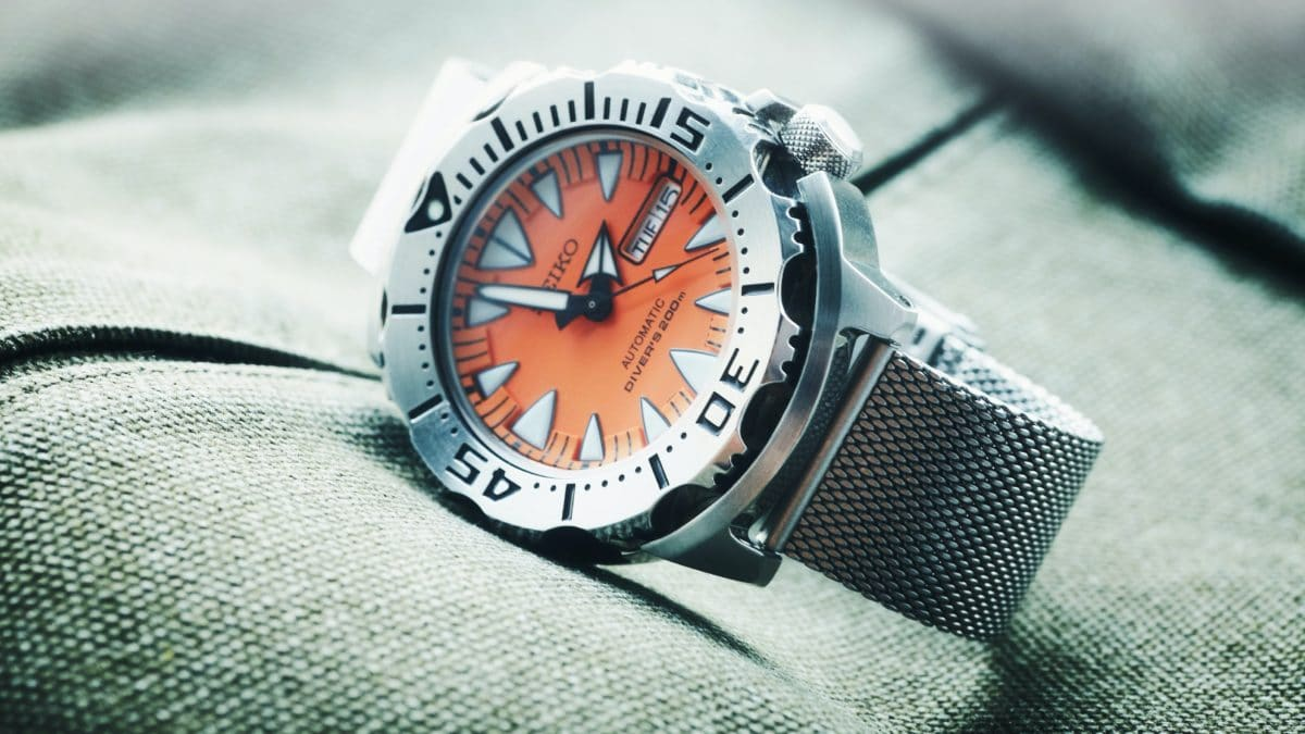 8 Tips for Buying a Good Watch for Diving