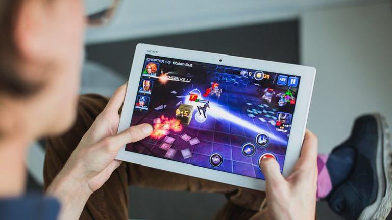 How to Earn Big in Online Games?