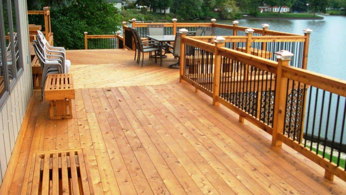 How To Select A Suitable Deck Paint For Your Deck