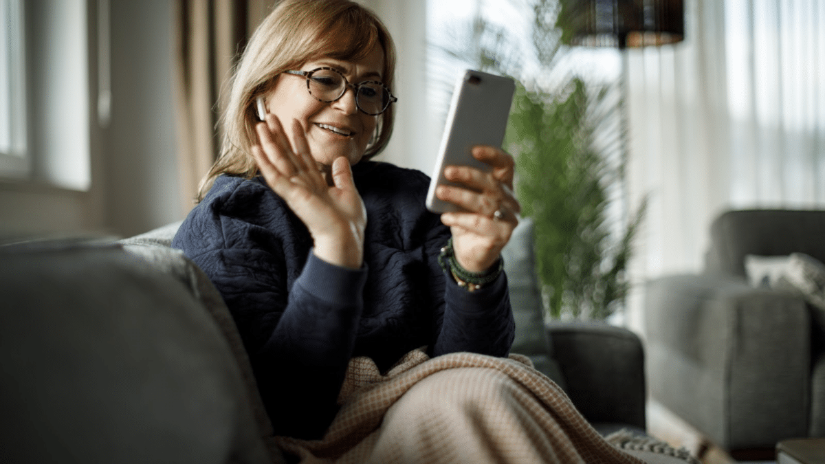 How Technology Can Help Seniors Combat Loneliness –  Seasons Retirement Communities